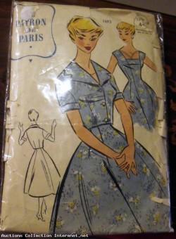 Patron de couture PATRON DE PARIS 1493 Robe des années 1960